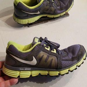 Nike Shoes - Nike Dual Fusion ST 2 women's shoes size 8.5